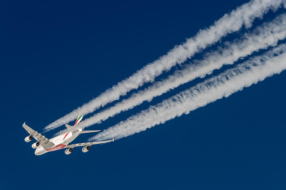 Emirates A380 am Himmel